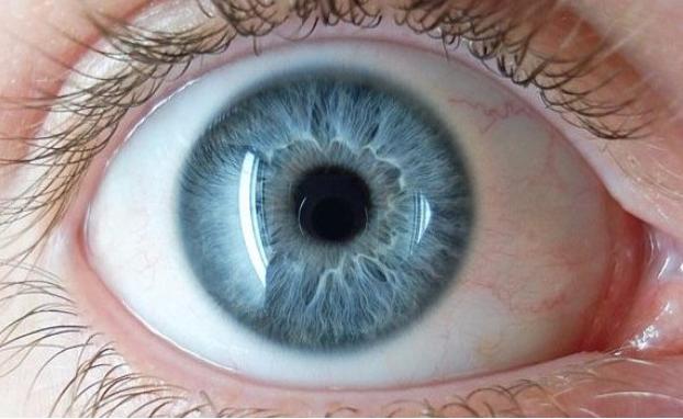 矫正近视大突破!仿生镜片8分钟回复视力