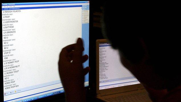 其中有你的孩子吗?遭到网络霸凌的加拿大年轻人超过百万